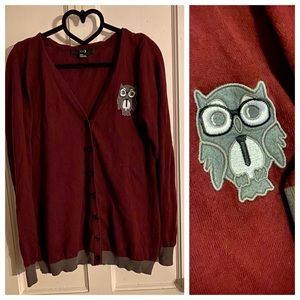 Owl 🦉 button down burgundy sweater